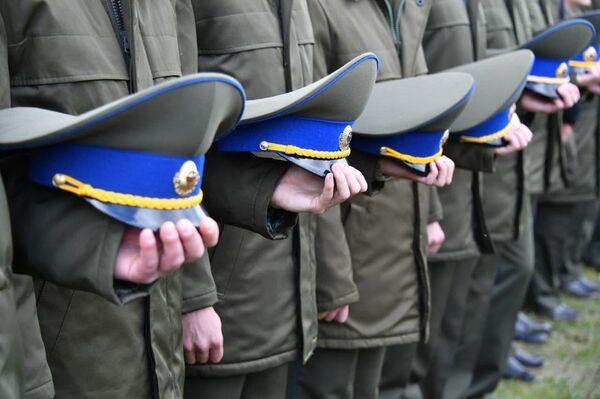 Погибшего бойца группы Альфа похоронили с почестями - Sputnik Беларусь