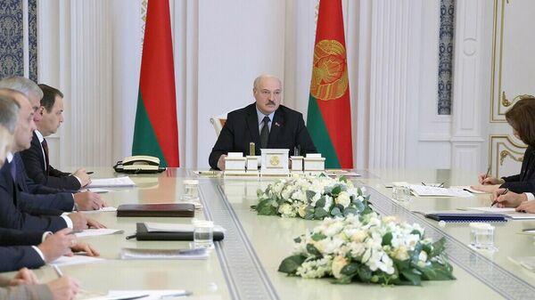 Лукашенко во Дворце Независимости на совещании с руководством Администрации президента, посвященном кадровой и идеологической работе - Sputnik Беларусь