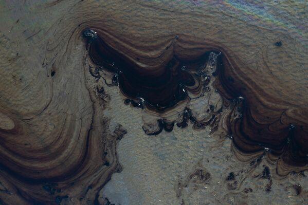 Тэхнагенная катастрофа адбылася з-за ўцечкі на нафтаправодзе кампаніі Amplify Energy у раёне акругі Орандж на поўдні штата. - Sputnik Беларусь