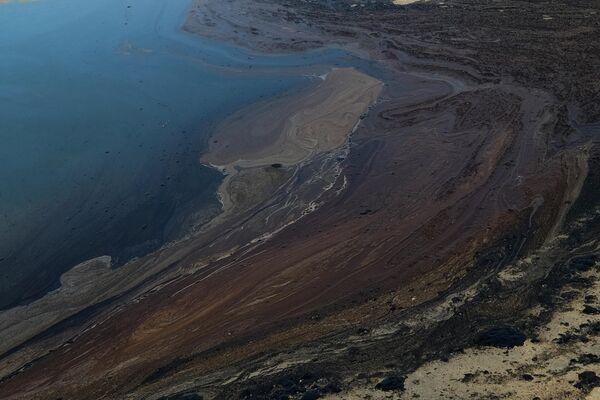 477 тыс літраў, а гэта амаль 3 тысячы барэляў нафты выцяклі ля ціхаакіянскага ўзбярэжжа ЗША. - Sputnik Беларусь