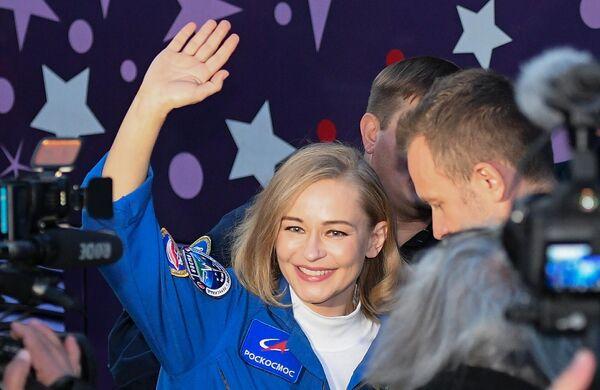 Первый фильм, снятый в космосе,  будет о женщине-враче, которая далека от космической сферы, но в силу обстоятельств полетит на орбиту, чтобы спасти жизнь космонавту. - Sputnik Беларусь