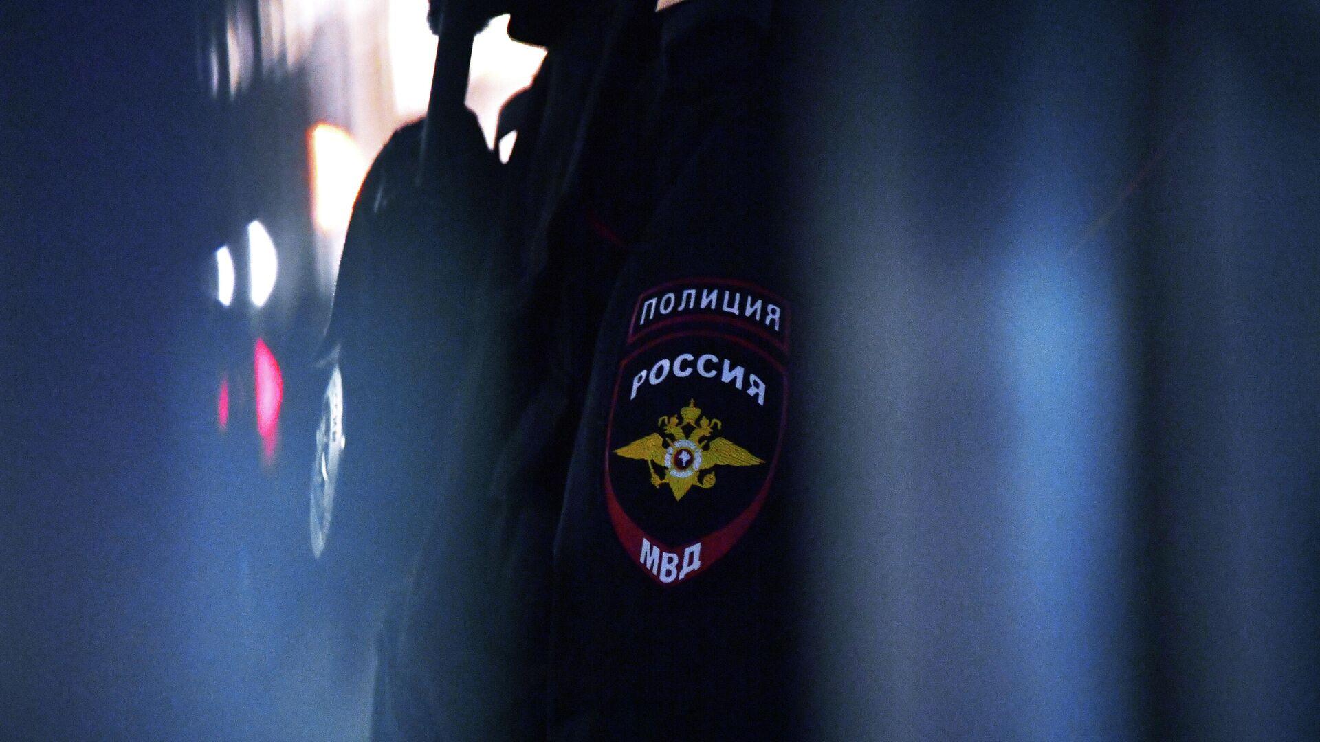 Эмблема на форме сотрудника полиции РФ - Sputnik Беларусь, 1920, 08.10.2021