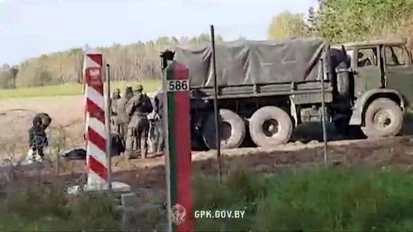 ГПК Беларуси опубликовал видео с беженцами в ответ на фейк Польши  - Sputnik Беларусь