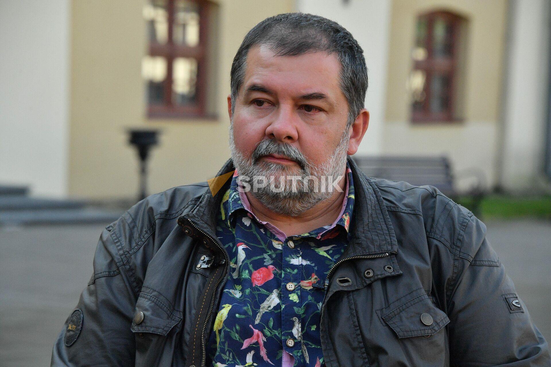 Новая трилогия у Лукьяненко родилась во время написания третьего Дозора - Sputnik Беларусь, 1920, 09.10.2021