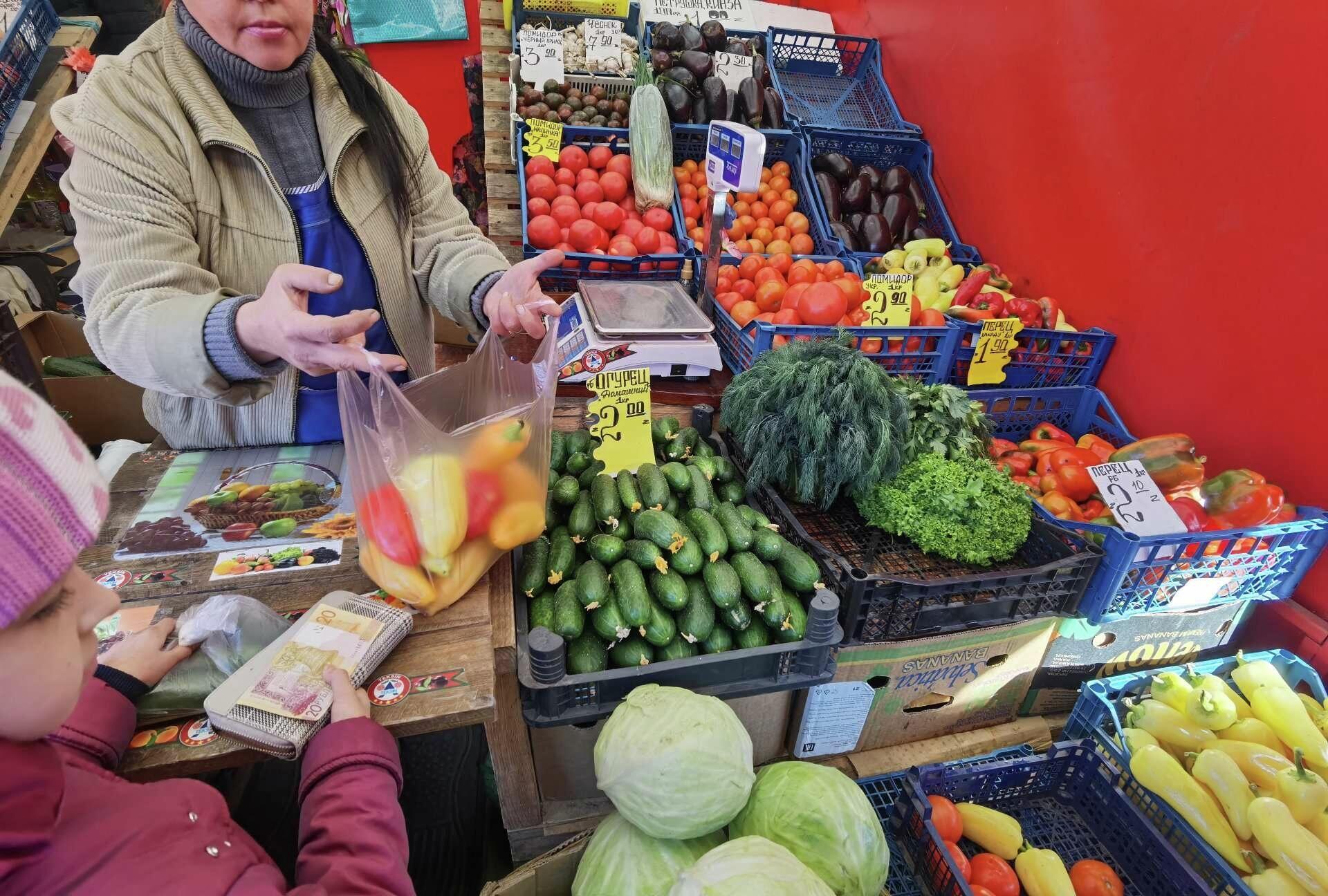Экономить на овощах и фруктах нельзя - детям нужны витамины - Sputnik Беларусь, 1920, 10.10.2021