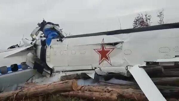 Крушэнне самалёта L-410 пад Мензелінскам - Sputnik Беларусь
