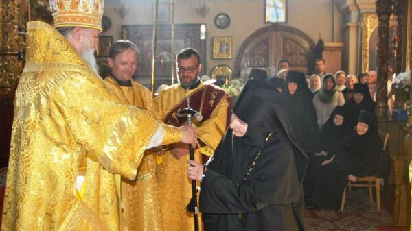 Настоятельницу Никольского монастыря в Могилеве монахиню Василису (Сороколетову) возвели в сан игумении - Sputnik Беларусь