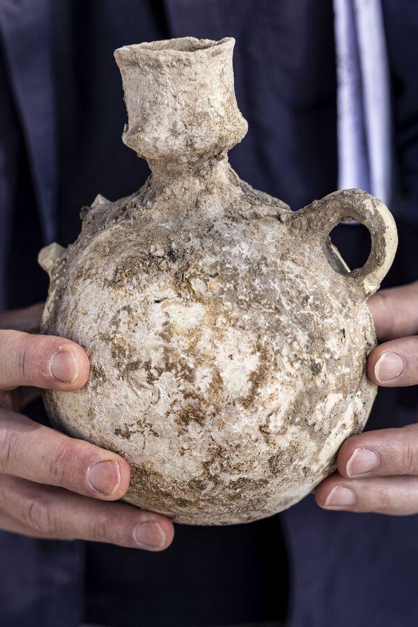 Затем вино разливали по кувшинам. Завод производил более полумиллиона галлонов (около 2 млн литров) в год. - Sputnik Беларусь