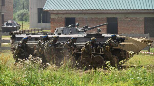 Украина может развязать войну, чтобы списать на нее все провалы ― эксперт - Sputnik Беларусь