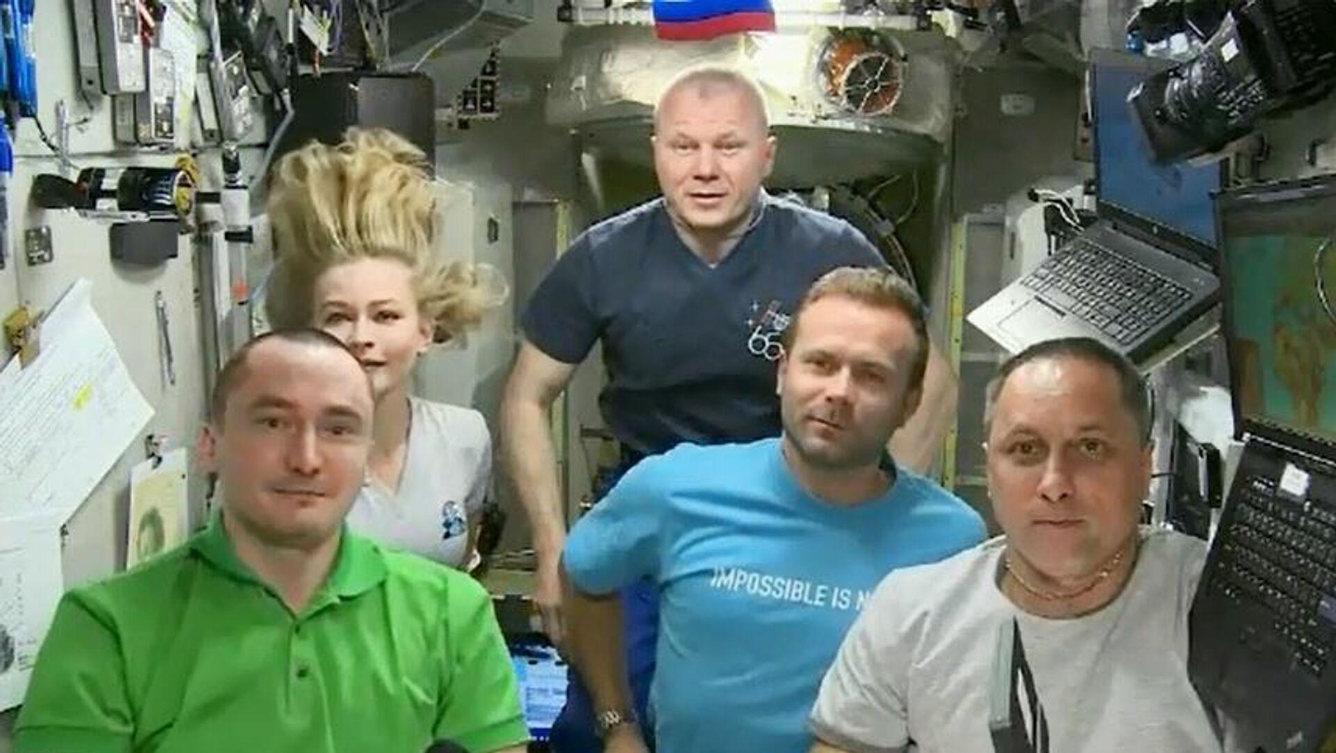 Съемочная группа фильма Вызов на МКС - Sputnik Беларусь, 1920, 13.10.2021
