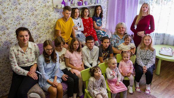 Столько раз за день слышу мама: как минчанка воспитывает 18 детей - Sputnik Беларусь