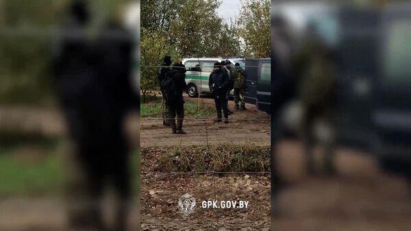 Как белорусские пограничники помешали полякам вытеснить мигрантов – видео - Sputnik Беларусь