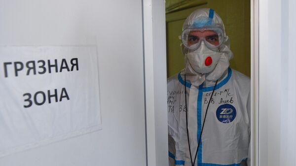 Совместная работа военных и гражданских медиков по борьбе с COVID-19 - Sputnik Беларусь