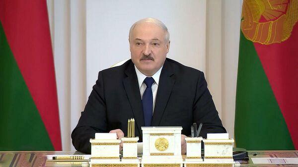 99,8% - вранье: Лукашенко о фейках мерзавцев и проверках КГК - Sputnik Беларусь