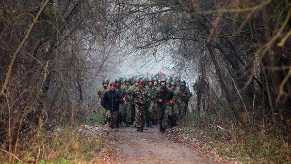 Марш-бросок в армии - Sputnik Беларусь