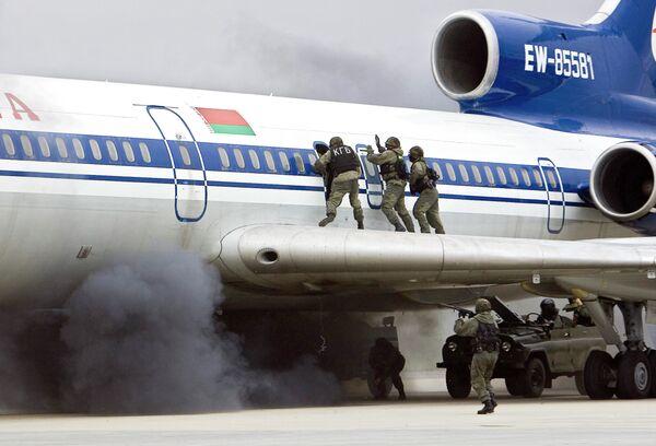 Оперативно-стратегические командно-штабные учения спецслужб стран СНГ Бастион-антитеррор 2008 , архивное фото - Sputnik Беларусь