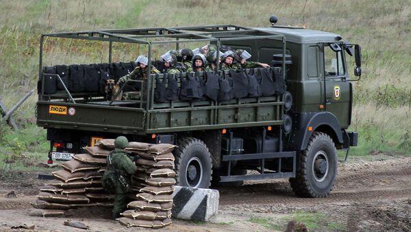 Учения вооруженных сил России и Беларуси  Запад-2013 - Sputnik Беларусь