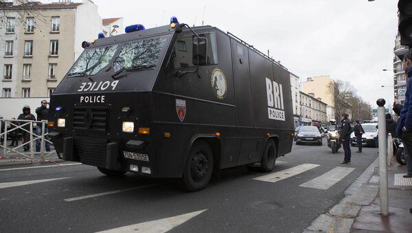 Полиция Франции в пригороде Парижа - Sputnik Беларусь