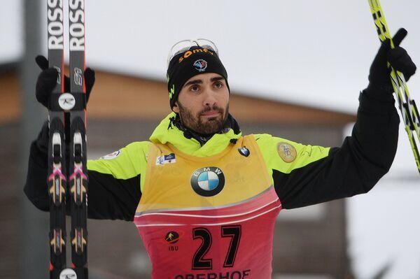 Мартен Фуркад (Франция), занявший 1-е место в спринте среди мужчин на четвертом этапе Кубка мира по биатлону сезона 2014/15 в немецком Оберхофе - Sputnik Беларусь