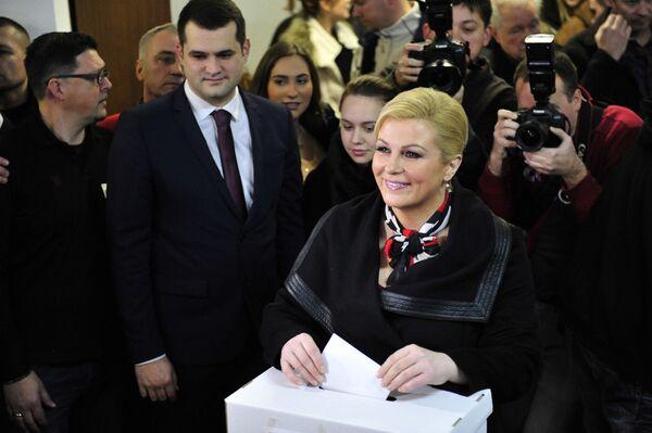 Колинда Грабар-Китарович на президентских выборах в Хорватии 11 января 2015 - Sputnik Беларусь