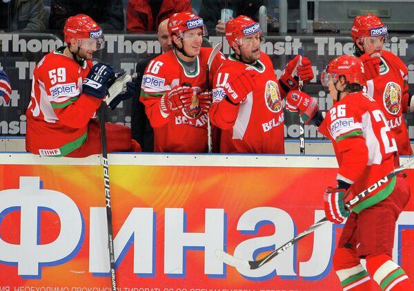 Михаил Стефанович (№ 16) в составе сборной Беларуси по хоккею - Sputnik Беларусь
