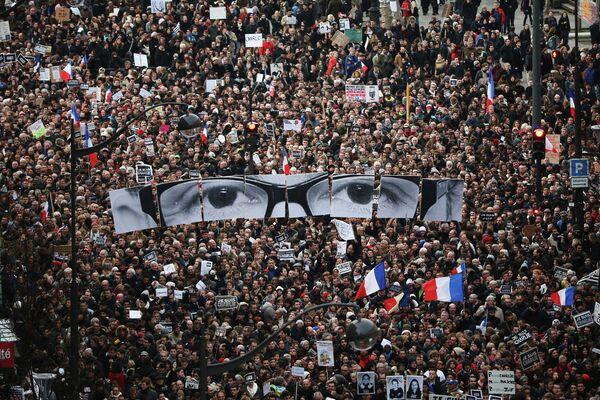 Манифестация в Париже после терактов - Sputnik Беларусь