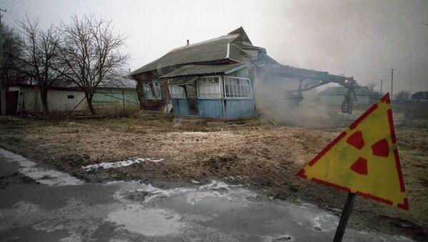 Пакінутая веска ў раене Чарнобыльскай АЭС - Sputnik Беларусь