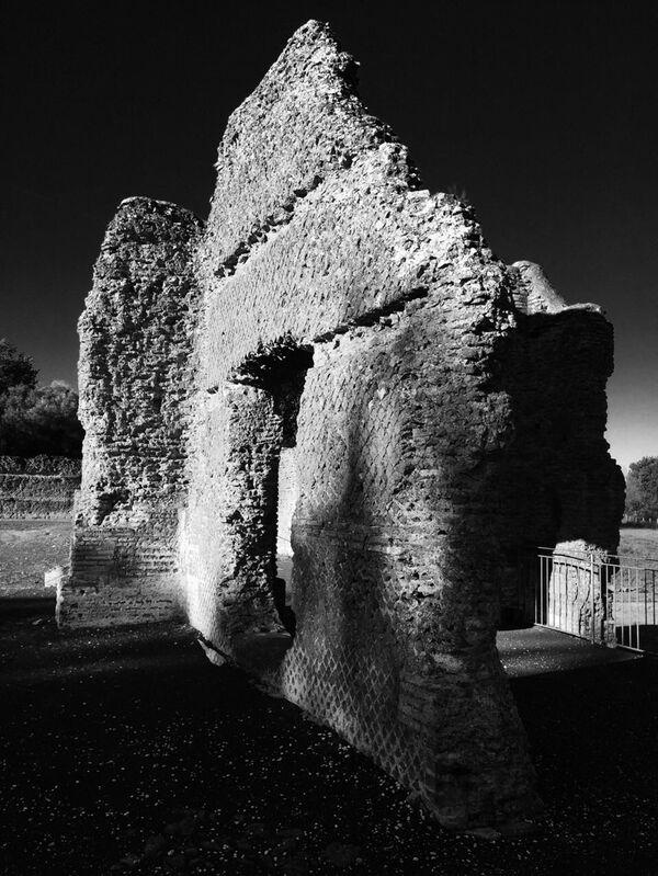 Фото Тимура Бекмамбетова, сделанное во время выбора натуры. Матера, Италия, руины виллы Адриана - Sputnik Беларусь