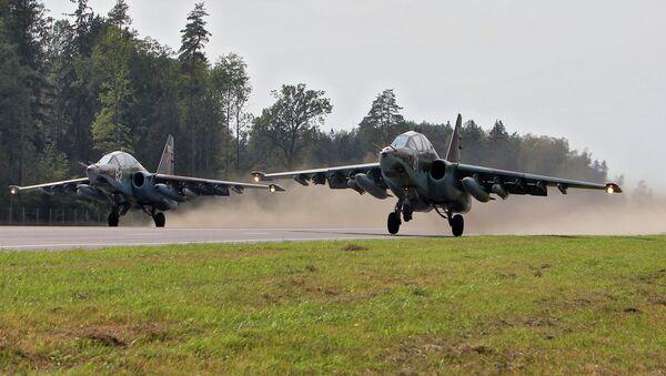 Самолеты Су-25 белорусских ВВС - Sputnik Беларусь