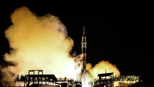 Старт ракеты-носителя Союз-ФГ с ТПК Союз ТМА-15М на космодроме Байконур - Sputnik Беларусь