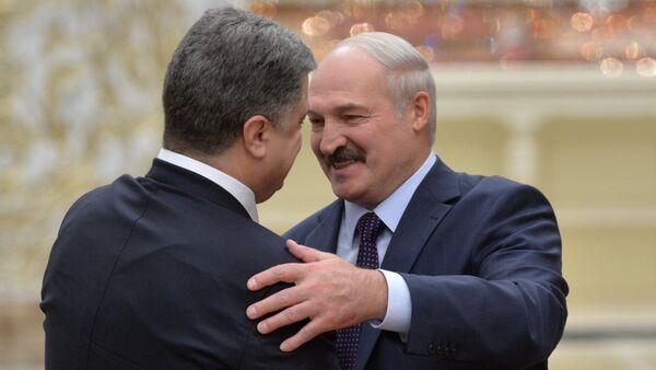 Лукашенко и Порошенко - Sputnik Беларусь