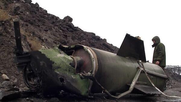 СПУТНИК_Ополченцы ЛНР показали сбитую ими над Алчевском ракету Точка-У - Sputnik Беларусь