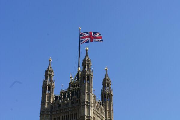 Флаг на парламенте Британии - Sputnik Беларусь