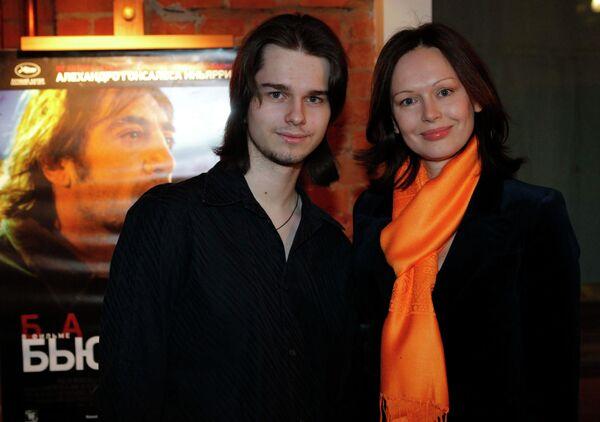 Ирина Безрукова с сыном Андреем Ливановым - Sputnik Беларусь