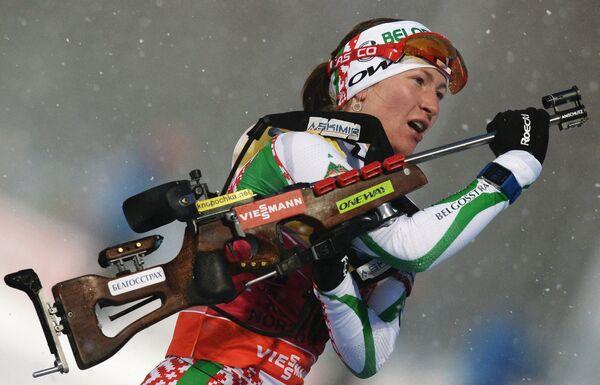 Дарья Домрачева на огневом рубеже - Sputnik Беларусь