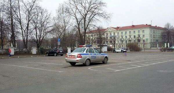 Паркоўна на вуліцы Акадэмічнай у Дзень Волі - Sputnik Беларусь