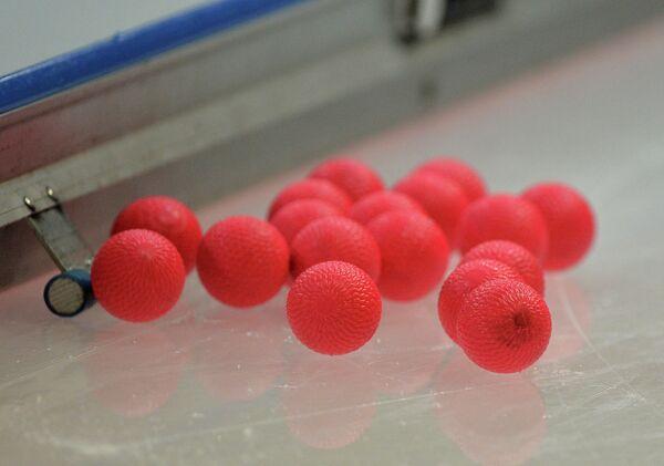 Мячи в матче по хоккею с мячом - Sputnik Беларусь