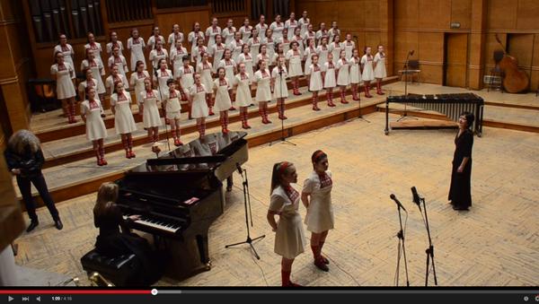 Детский хор исполняет песню группы Metallica - Sputnik Беларусь