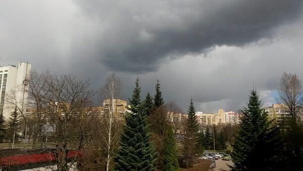 Пасмурное небо перед бурей - Sputnik Беларусь