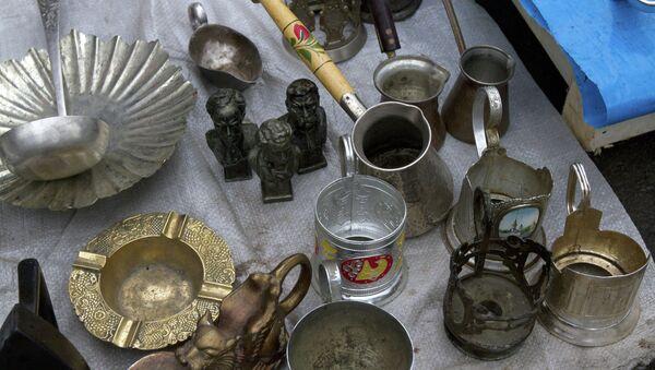 Продажа подержанных вещей на Поле чудес - Sputnik Беларусь