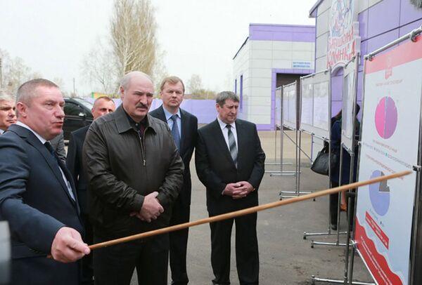 Александр Лукашенко 26 апреля посетил с рабочим визитом Могилевскую область - Sputnik Беларусь