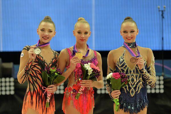 На церемонии награждения (слева направо): Мелитина Станюта, Яна Кудрявцева, Марина Дурунда - Sputnik Беларусь