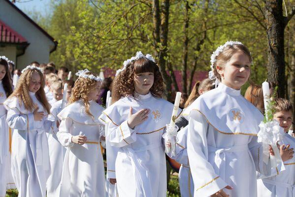 Первое причастие в Молодечно - Sputnik Беларусь