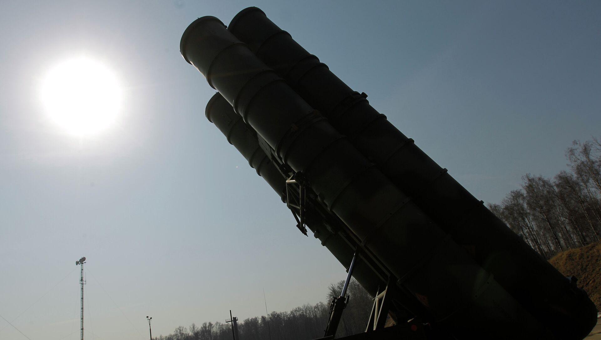 Зенитно-ракетный комплекс в боевом положении - Sputnik Беларусь, 1920, 31.05.2021