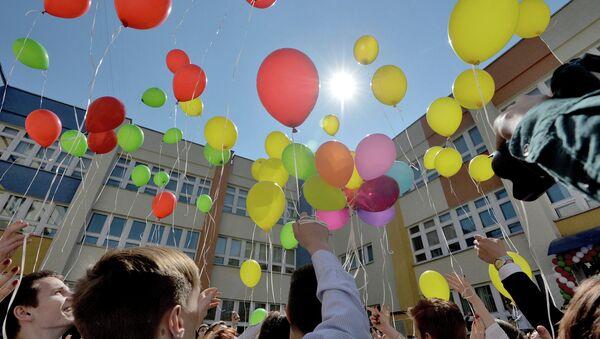 Апошні званок у гімназіі № 12 Мінска - Sputnik Беларусь