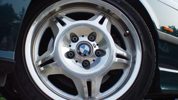 Колесо автомобиля BMW - Sputnik Беларусь
