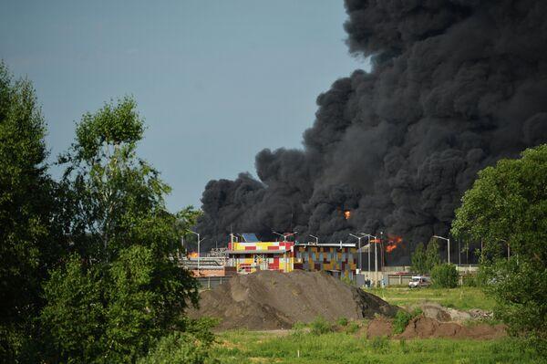 Пожар на нефтебазе в Киевской области - Sputnik Беларусь
