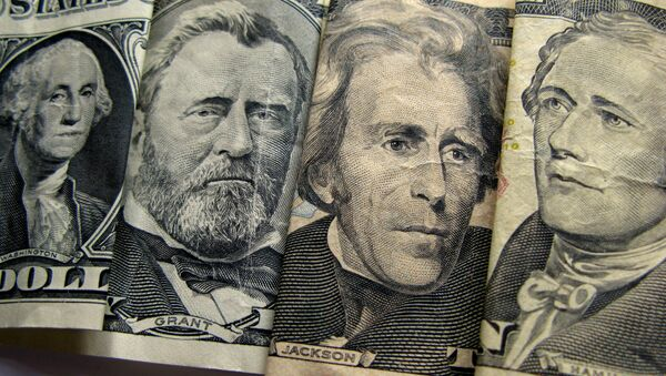 Выявы мужчын на доларах ЗША - Sputnik Беларусь