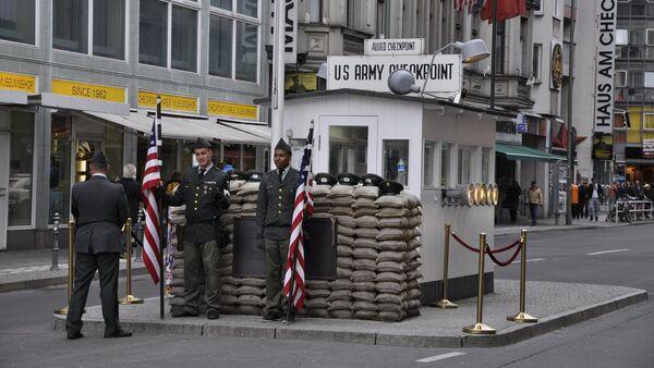 Checkpoint Charlie - Sputnik Беларусь
