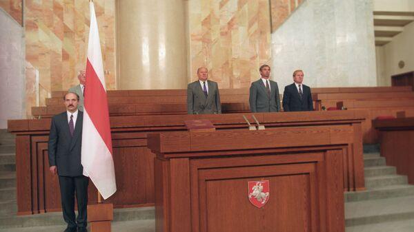 Цырымонія інаўгурацыі першага прэзідэнта Рэспублікі Беларусь Аляксандра Лукашэнкі, 20 ліпеня 1994 года - Sputnik Беларусь